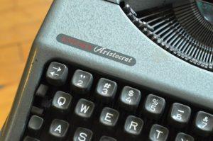 Guida ortografica, stilistica e tipografica per giovani scrittori e giornalisti